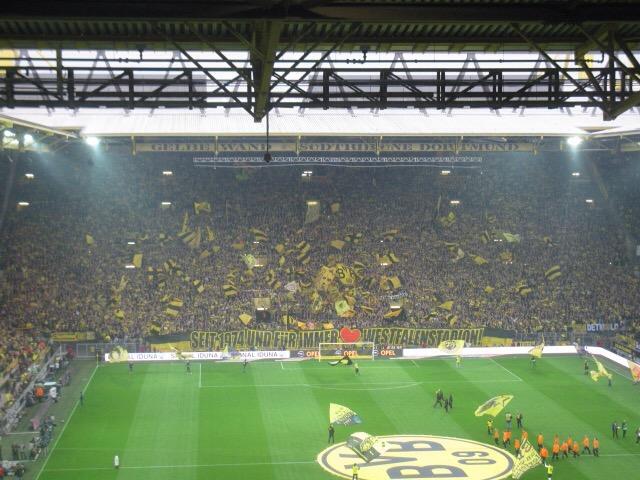 Aubameyang dicht bij een vertrek uit Dortmund; PSG, Man. City en AC Milan worden genoemd