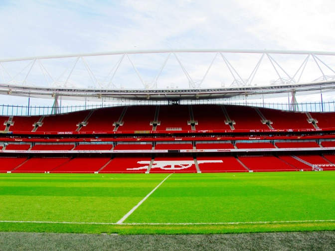 Marc Overmars kan aan het einde van het seizoen vertrekken naar Arsenal, volgens Italiaanse media
