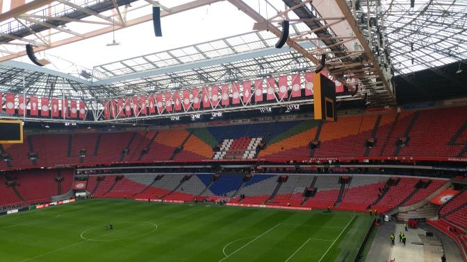 Ajax in gesprek met Van Leer (Roda JC)