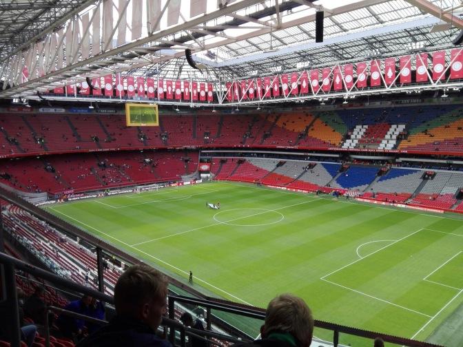 Koploper PSV moet het nu gaan bewijzen op bezoek bij Ajax