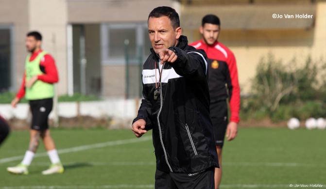 KV Mechelen zit in nauwe schoentjes, maar kritiek op de coach is belachelijk