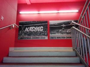 Trappenhuis Fritz-Walter-Stadion. Auteursrechten: eigen redacteur. Portretrechten worden niet opgeëist.